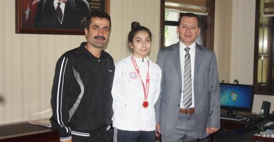 Türkiye Şampiyonu Kübra'dan Yılmaz ve Arslan'a Ziyaret